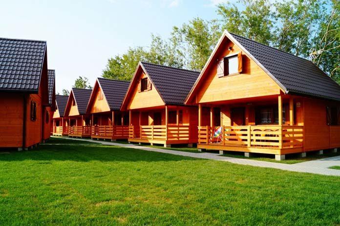 Szeroki wybór drewnianych domków
