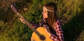 Styl hippie to symbol luzu i swobody